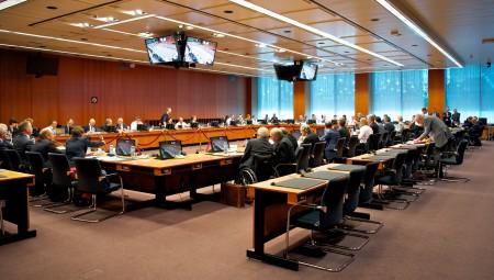 Eurogroup: Το «καρότο» των 4 δισ. των δανειστών για το χρέος