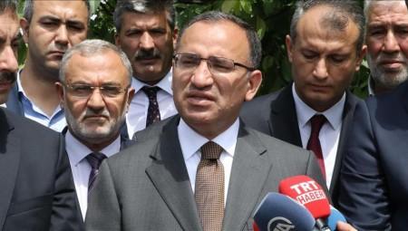 Νέες προκλήσεις από τον Τούρκο Μποζντάγ για τους 8 στρατιωτικούς