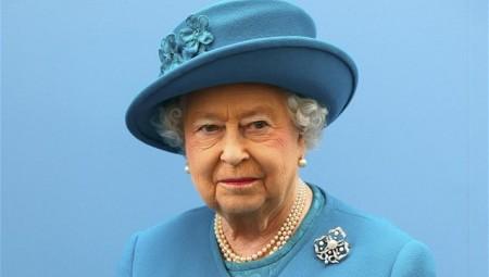 Συλλυπητήρια και από την βασίλισσα Ελισάβετ για τις πυρκαγιές