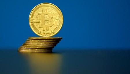 Ξεπερνά τα 7.000 δολάρια το bitcoin