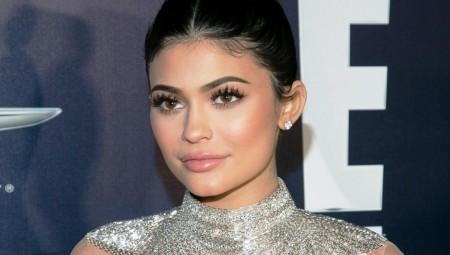 Η Kylie Jenner είναι η νεότερη αυτοδημιούργητη δισεκατομμυριούχος