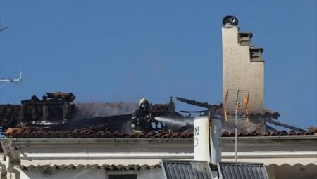 Μελίσσια: Υπό έλεγχο η πυρκαγιά σε μεζονέτα