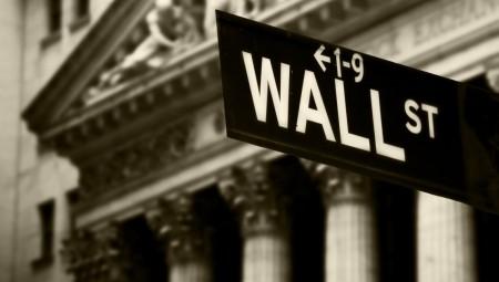 Ανακάμπτει η Wall κόντρα στον εμπορικό πόλεμο