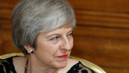 Κέρδισε χρόνο η Μέι από το υπουργικό συμβούλιο για το Brexit