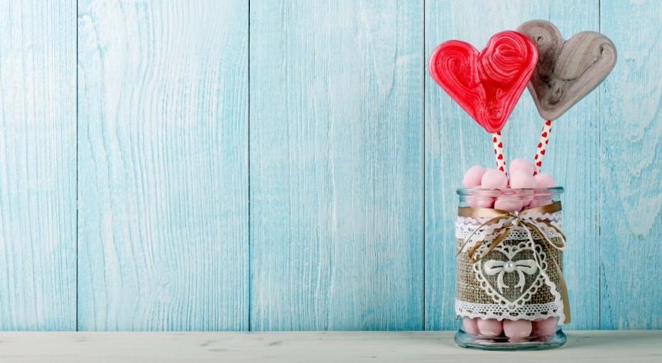 love-heart-candy-wallpaper