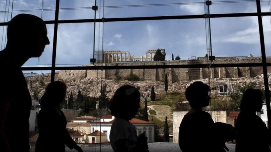 «Βροχή» τα χρέη για τα μισά ελληνικά νοικοκυριά