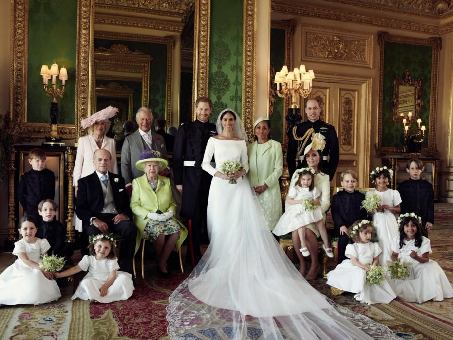 Οι πρώτες επίσημες φωτογραφίες από τον βασιλικό γάμο Χάρι - Μέγκαν