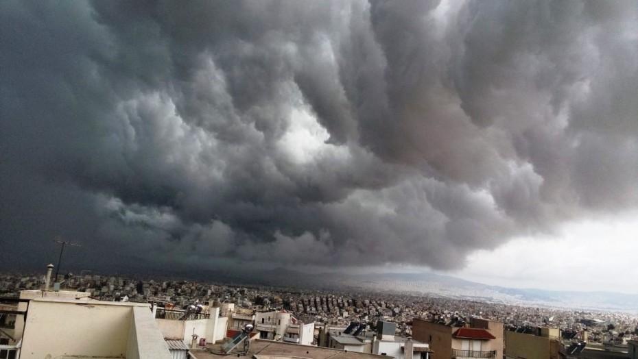 Καιρός: Νεφώσεις, βροχές και αφρικανική σκόνη αύριο