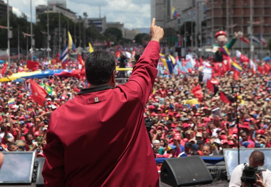 Στην κούρσα επανεκλογής ο Μαδούρο για την προεδρία στην «ματωμένη» Βενεζουέλα