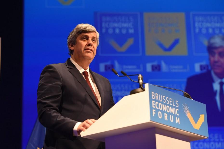 Επιμονή Σεντένο και Ντομπρόβσκις για τις μεταρρυθμίσεις στην Ευρωζώνη