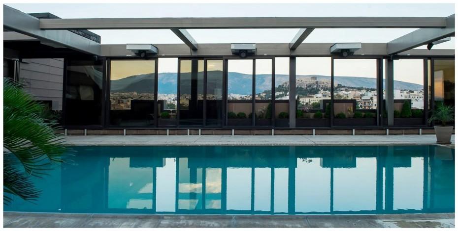 ACRO Pool Side: Η Αθήνα απέκτησε το καλοκαιρινό all-day spot της
