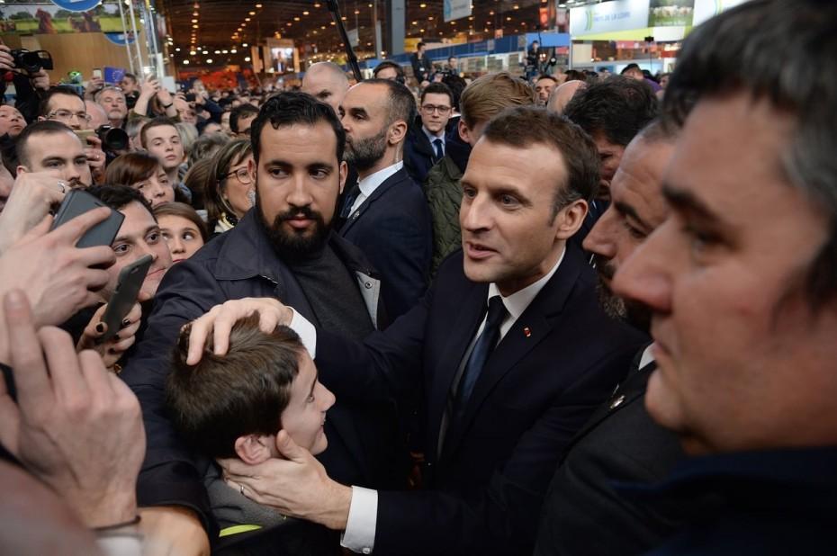 Παρατείνεται η κράτηση των Μπεναλά-Κρας, σάλος στη Γαλλία