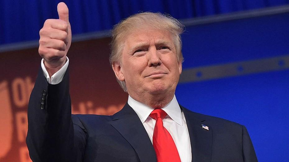 Επιμένει για δασμούς ο Τραμπ και δεσμεύεται για ενίσχυση 12 δισ. δολ. στους αγρότες