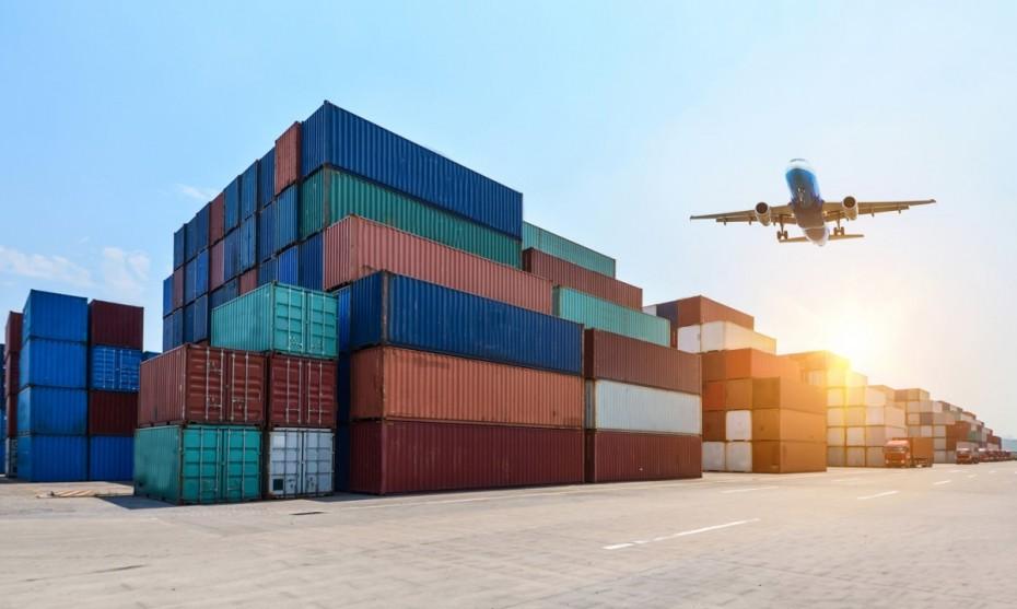 Σε ισχύ από 6 Ιουλίου οι κινεζικοί δασμοί στα αμερικανικά προϊόντα