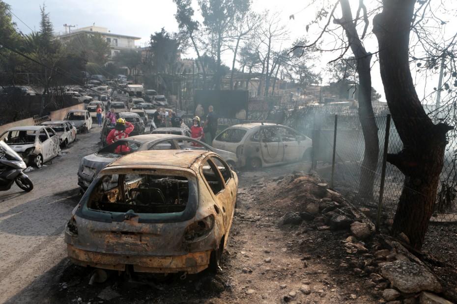 Πύρινος όλεθρος στην Αττική - Ξεπερνούν τους 60 οι νεκροί