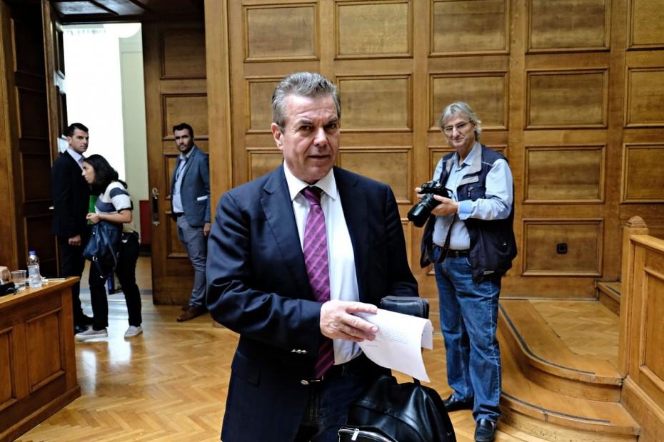 Ο Πετρόπουλος τάζει και πάλι αποφυγή των περικοπών στις συντάξεις