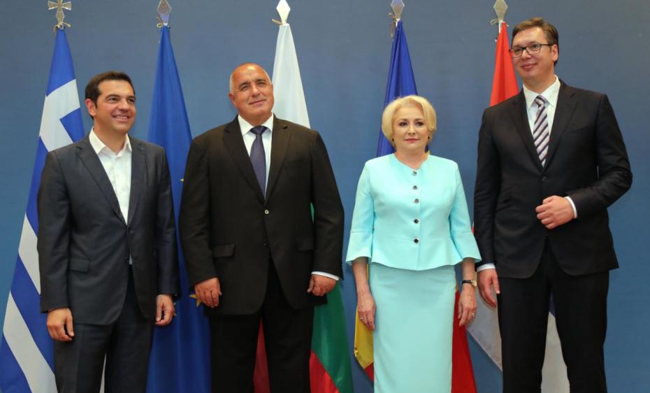 Εύσημα σε Τσίπρα από Βουλγαρία, Σερβία και Ρουμανία για το Σκοπιανό