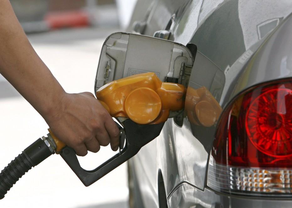 «Ναι» από ΡΑΕ για πλαφόν στις τιμές των καυσίμων