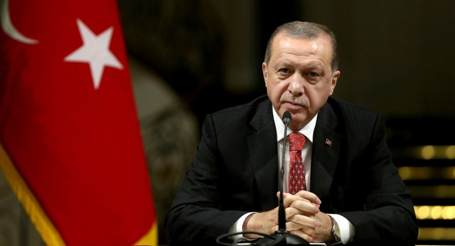 Στα «τάρταρα» η τουρκική λίρα, στα «κάγκελα» ο Ερντογάν