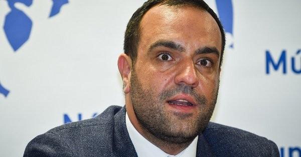 Μήνυση κατά του Τόσκα από τον δήμαρχο Μυκόνου για την εγκληματικότητα στο νησί