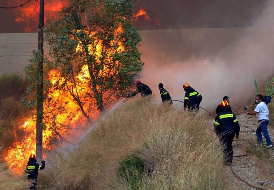 Συναγερμός σε οκτώ περιφέρειες για κίνδυνο πυρκαγιάς