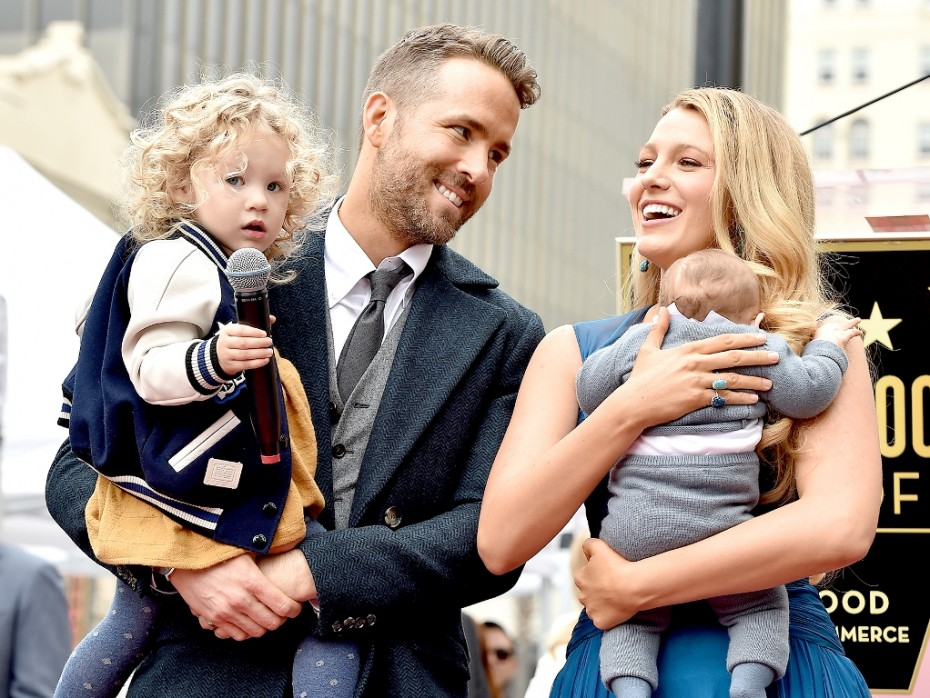 Blake Lively - Ryan Reynolds περιμένουν δίδυμα;