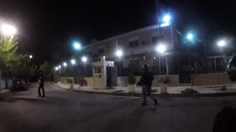 Σάλος έως και ΕΔΕ για τη συμπεριφορά του φρουρού στο «χτύπημα» Ρουβίκωνα