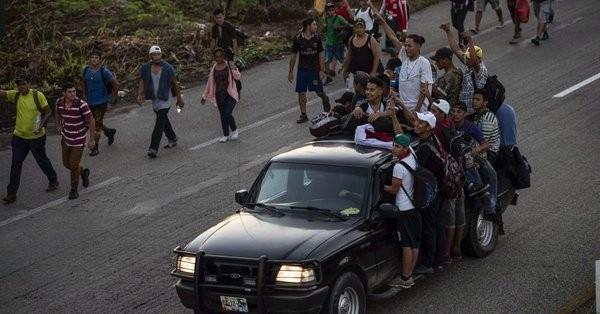 Ο Τραμπ στέλνει 800 Αμερικανούς στρατιώτες στα σύνορα με το Μεξικό