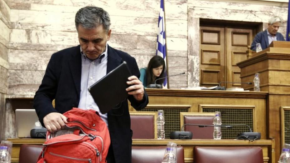 «Μασάζ» Τσακαλώτου στους βουλευτές του ΣΥΡΙΖΑ για τον προϋπολογισμό