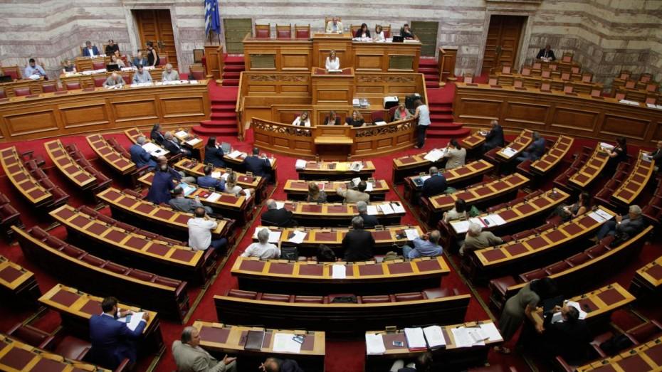 Βουλή: Πυρά της αντιπολίτευσης στην κυβέρνηση για το μεταναστευτικό