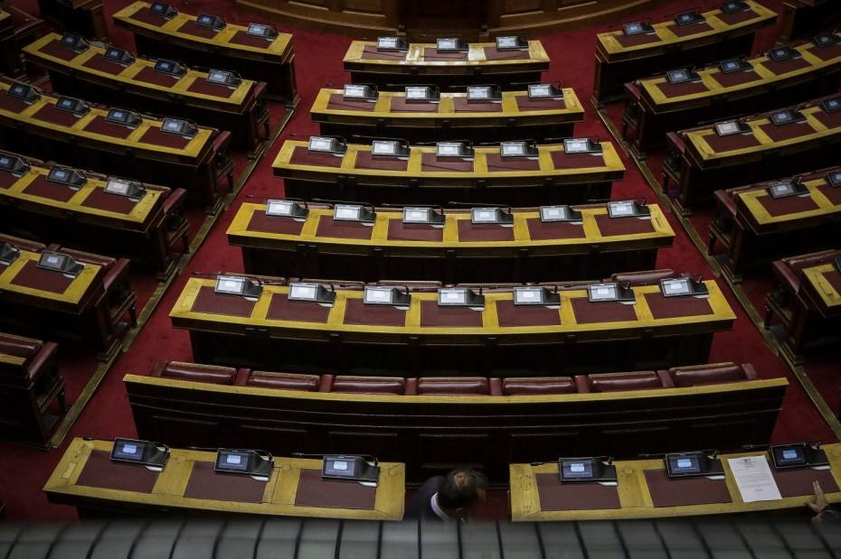 Βουλή: Επιθέσεις στον Σπίρτζη για το ΕΚ στο Θριάσιο