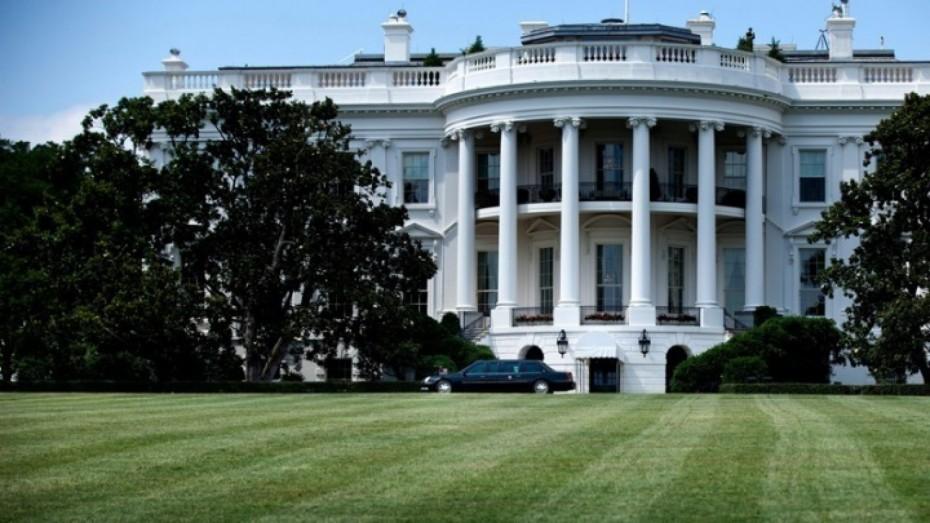 Στο Λευκό Οίκο οι «κολοσσοί» της αυτοκινητοβιομηχανίας