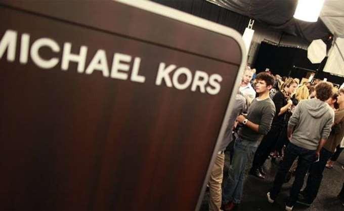 «Ελεύθερη πτώση» για τη μετοχή της Michael Kors