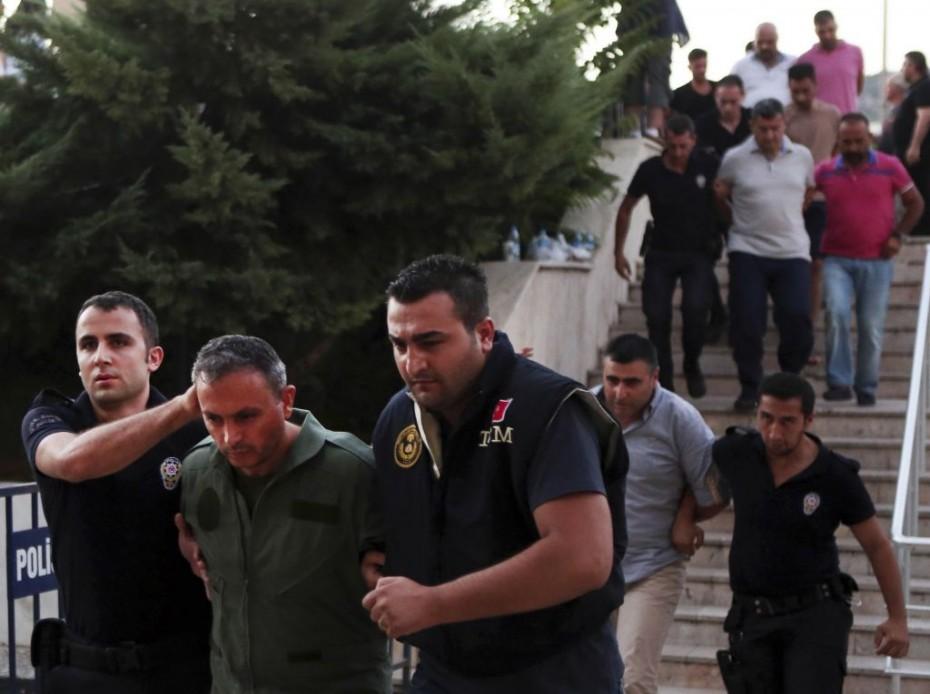Πάνω από 217.000 προσαγωγές στην Τουρκία για το αποτυχημένο πραξικόπημα