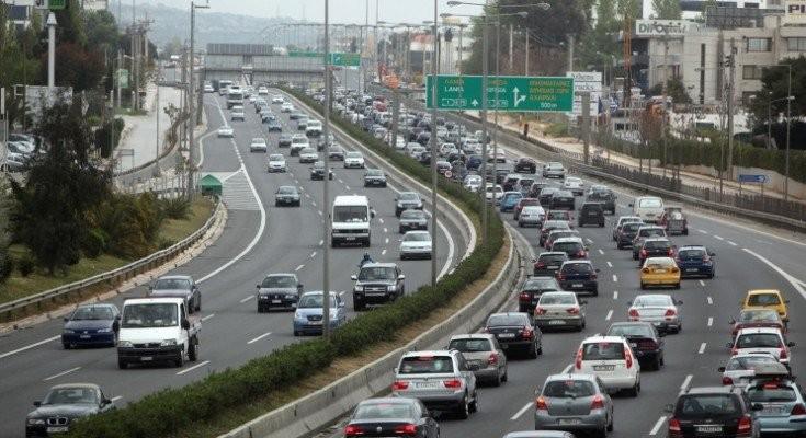 Μεγάλο μποτιλιάρισμα στην Αθηνών - Λαμίας λόγω τροχαίου