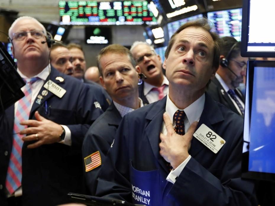 Δεν πείθει η προσπάθεια αντίδρασης στη Wall Street