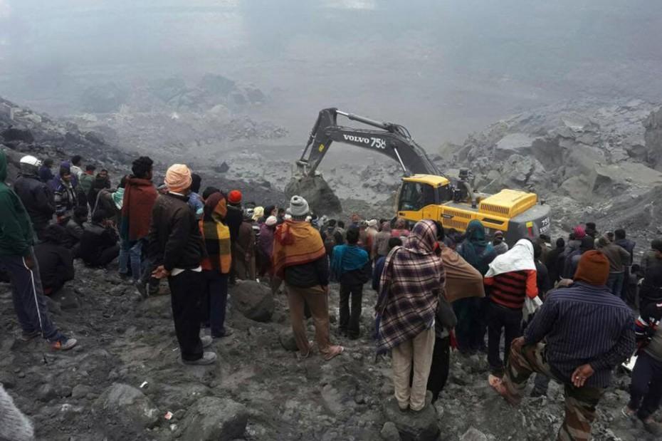 Ινδία: Τουλάχιστον 13 παγιδευμένοι ανθρακωρύχοι