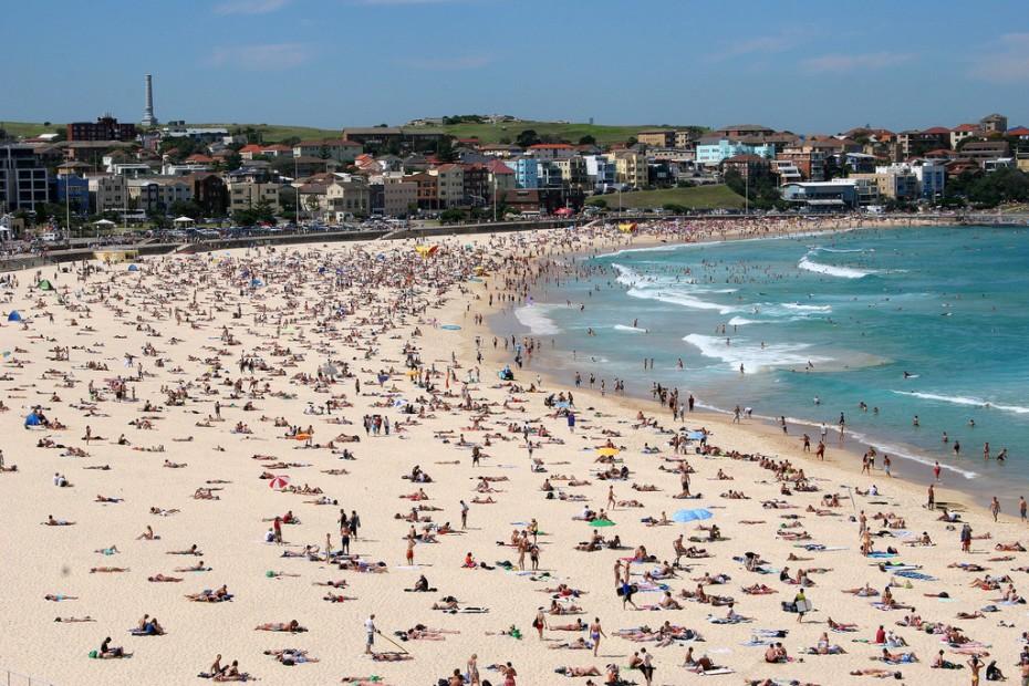 Πρωτοχρονιά στις παραλίες - 7η μέρα καύσωνα στην Αυστραλία