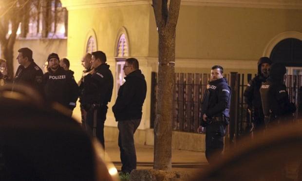 Βιέννη: 5 μοναχοί τραυματίστηκαν από τη ληστεία σε εκκλησία