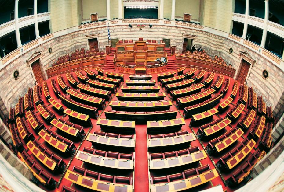 Με ταχύτητα εξπρές το ν/ για την κατάργηση των περικοπών των συντάξεων στη Βουλή