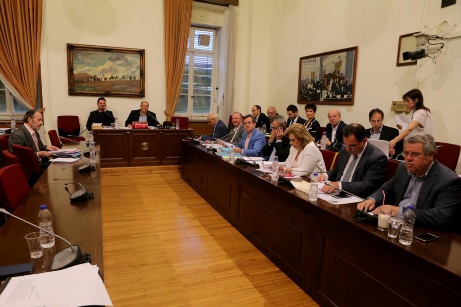 Εγκρίθηκε κατά πλειοψηφία το πόρισμα ΣΥΡΙΖΑ για την Εξεταστική στην Υγεία