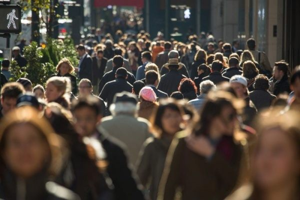 ΙΟΒΕ: Κοντά σε υψηλό 4ετίας η καταναλωτική εμπιστοσύνη το Μάρτιο