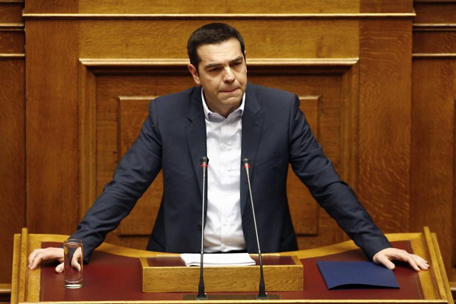 Ο Τσίπρας ταύτισε την ψήφο εμπιστοσύνης με την «πατριωτική συνείδηση»