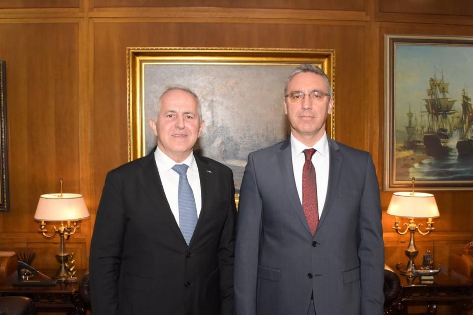 Συνάντηση Αποστολάκη με τον Τούρκο πρέσβη στο ΥΠΕΘΑ