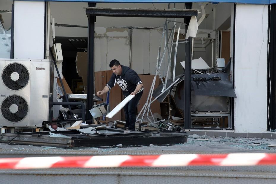Εκρήξεις σε τραπεζικά ΑΤΜ σε Βάρη και Λυκόβρυση