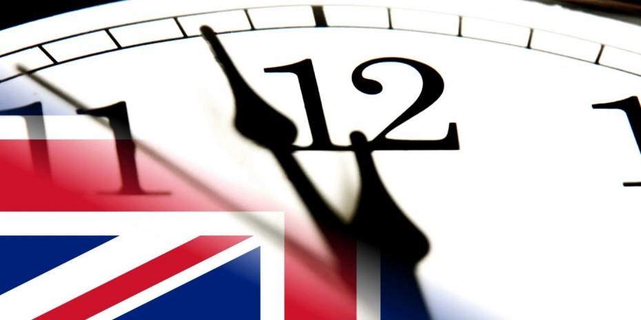 Αδειάζει η κλεψυδρά για το Brexit και ο πολιτικός χρόνος για την Μέι