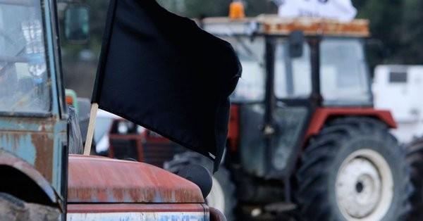 Οι αγρότες ζητούν εκπρόσωπο του ΥΠΟΙΚ στη συνάντηση με την κυβέρνηση