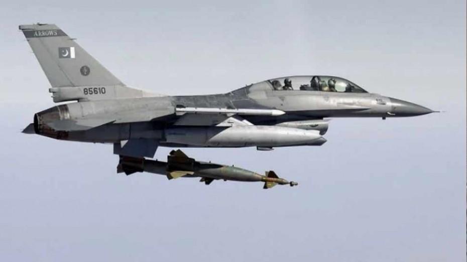 Συνεχίζεται η πολεμική ένταση: Η Ινδία κατέρριψε F-16 του Πακιστάν