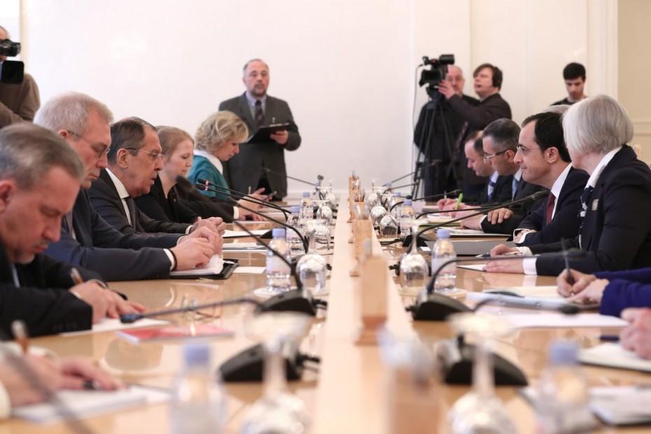 Παρωχημένο το σύστημα εγγυήσεων στην Κύπρο, τονίζει η Ρωσία