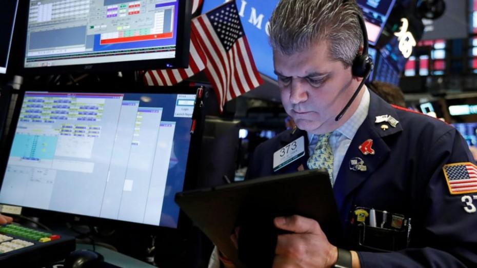 «Διχασμένη» η Wall Street στο άνοιγμα της Παρασκευής